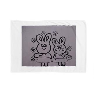 うさぎの親子と花 Blankets