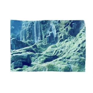 Silent Moss Blankets