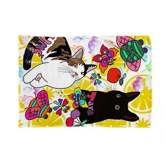 タラ&ウメちゃん😋👑🐱 Blankets