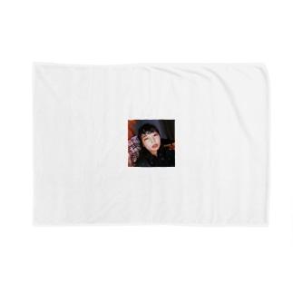 みくT Blankets
