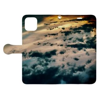 軌跡の結晶の雲海2 Book-style smartphone caseを開いた場合(外側)