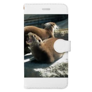コツメカワウソ Book-style smartphone case