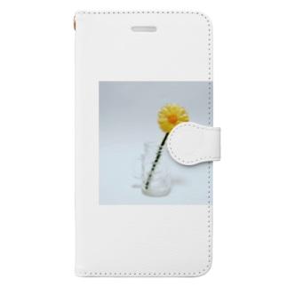 刺繍で作った黄色いお花 Book-style smartphone case