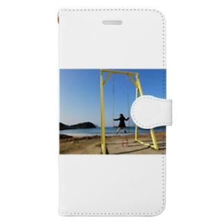 成美とブランコと海 Book-style smartphone case