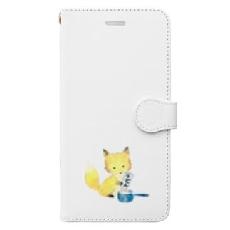 うどんを茹でるきつね Book-style smartphone case