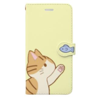 お魚にゃー 茶白 Book-style smartphone case