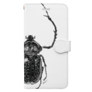 テルヌマテナガコガネ_モノクロ Book-style smartphone case