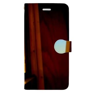 窓の向こう Book-Style Smartphone Case