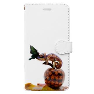 ハナガラカメレオンはクロアゲハと目があってしまった? Book-style smartphone case