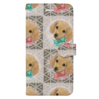 かわいいダックスフントの子犬とチェック柄のパターン Book-style smartphone case