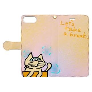 休憩するネコ Book-style smartphone case