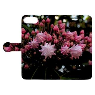 駿河屋ガルスのピンクで幸多かれ! Book-style smartphone caseを開いた場合(外側)
