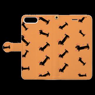 似顔絵 KURI屋のダックスフント💙 Book-style smartphone caseを開いた場合(外側)