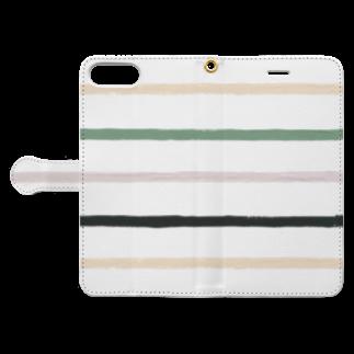 SANKAKU DESIGN STOREのノスタルジック横線。 Book-style smartphone caseを開いた場合(外側)