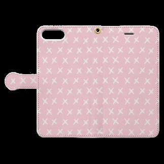 SANKAKU DESIGN STOREのハッピーPOPピンクC。 Book-style smartphone caseを開いた場合(外側)