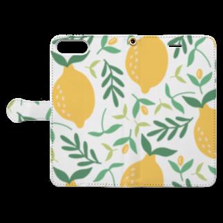 SANKAKU DESIGN STOREの北欧風レモン詰め合わせ。 Book-style smartphone caseを開いた場合(外側)