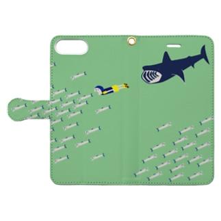イワシグリーン Book-style smartphone case