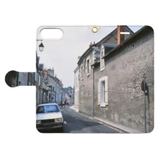 FUCHSGOLDのフランス:ブロワの風景 France: view of Blois Book-style smartphone caseを開いた場合(外側)