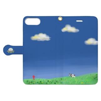 牛とUFO Book-style smartphone case