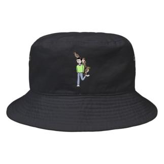 頭とか肩とか踵とかにタカ Bucket Hat