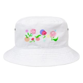 カーネーションと水玉模様 Bucket Hat