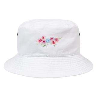 赤薔薇に守られる青薔薇。 Bucket Hat