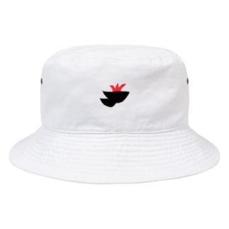 赤いギザギザのついた黒い塊 Bucket Hat
