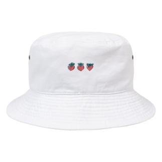 いちご3粒 Bucket Hat