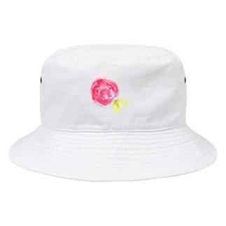 赤いバラ Bucket Hat