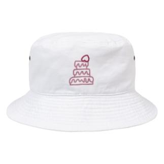romantic mauve♡strawberry cake Bucket Hat