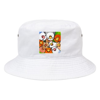 みっちりむっちり過密コザクラインコさん【まめるりはことり】 Bucket Hat