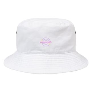 【emomeral】 ~emomeralロゴバケットハット/ホワイト~ Bucket Hat