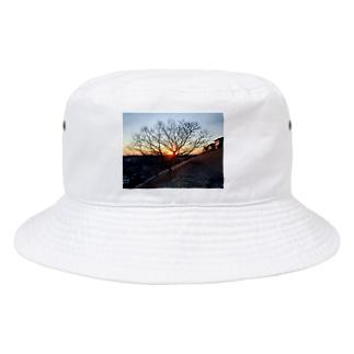 初日の出と木 Bucket Hat