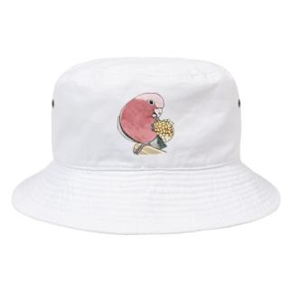 まめるりはことりのモモイロインコちゃんとトウモロコシ【まめるりはことり】 Bucket Hat