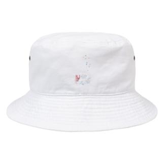 リアル風ヨーキーちゃん。ロングコートにキュートなリボン~縦長~ Bucket Hat