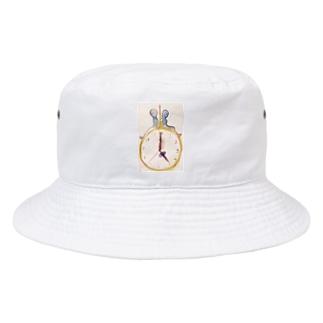 pm5:00 Bucket Hat