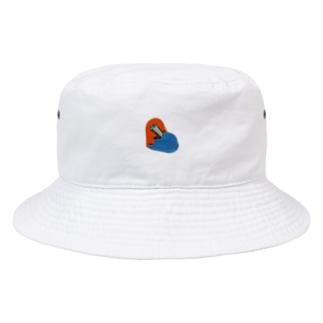 心に穴を開けちゃった Bucket Hat