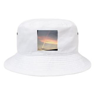 夕日と飛行機雲 Bucket Hat