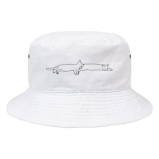 添い寝する猫 Bucket Hat