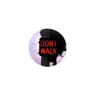 立ち停まる Badges