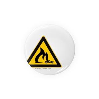 メーデー!ロゴ缶バッチ Badges