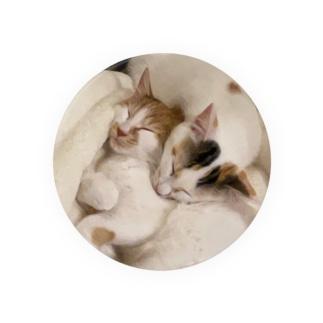 猫たちとねむる Badges