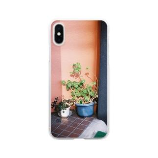 日の当たる植木 Clear smartphone cases
