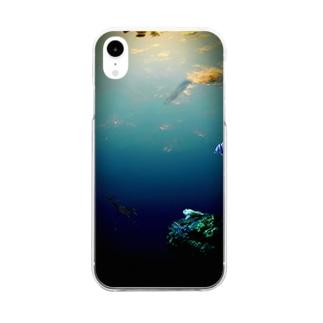空を泳ぐウーパールーパーと海の友達 Clear smartphone cases