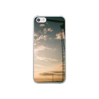夕暮れの海と風車 Clear smartphone cases