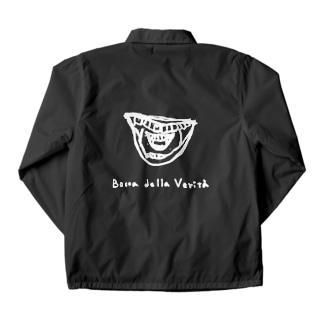 真実の口/白線/濃い色の生地に Coach Jacket