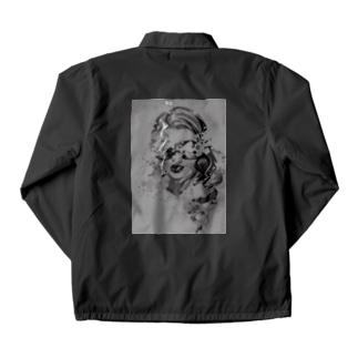 サングラスの女性 2 Coach Jacket