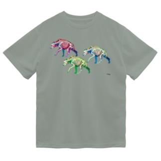 3ひきのブチハイエナ Dry T-Shirt