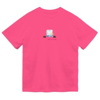 氷を囲むてんとう虫 Dry T-Shirt