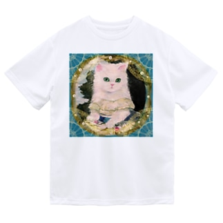 ドレスを着た白い子猫のアンティーク風肖像画 ドライTシャツ
